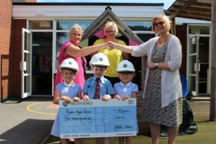 Walton grants first wish to Pelsall primary school image