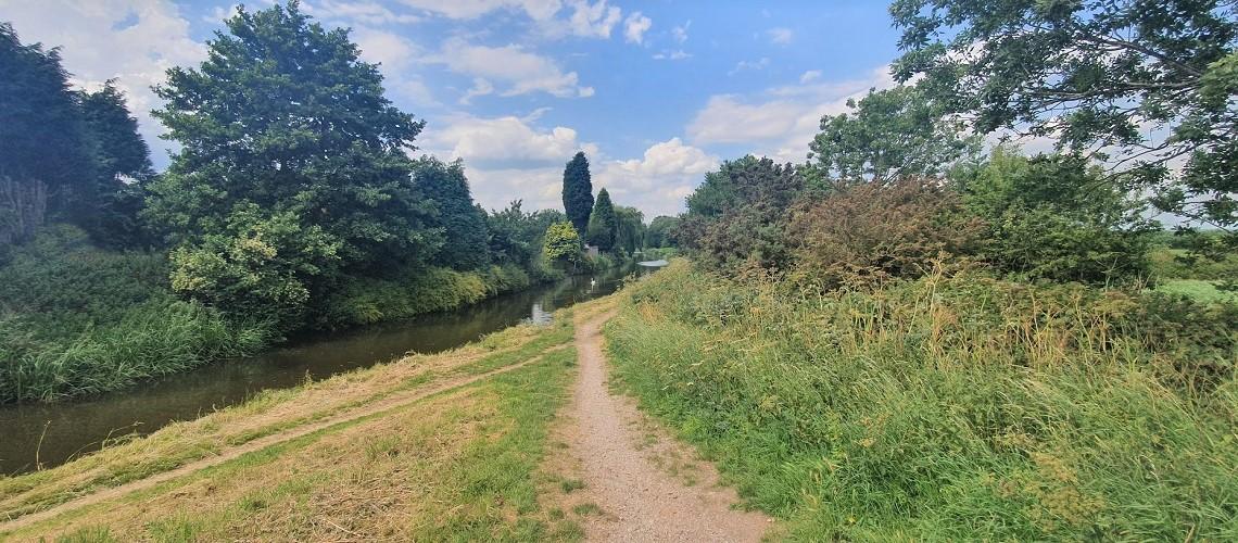 Walking distance to Canalside walks....